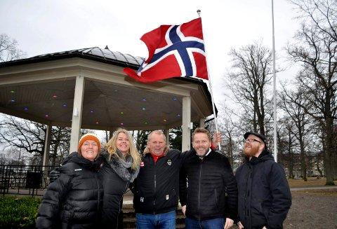 Frivilligprisen: Cathrine Eriksen, Tone G. Hansen, Wilfred Solberg, Torgeir Lorentzen og Raymond Johnsen er klare for prisutdeling 17. mai.