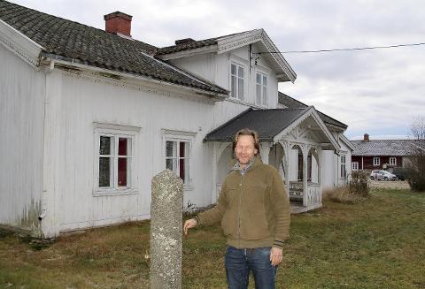 BEVARES: Gården Vest-Nor har vært i Ole Morten Hagens familie i mange generasjoner. Han overtok etter en onkel i 2010. Nå er bygningene fredet.