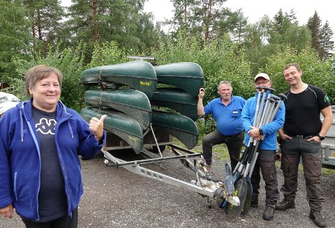 UTLEIE: Liv og Bengt Rundberget, til venstre, driver kanutleie for Kynna-prosjektet og samarbeider med Tom Jensen og Stian Ringstad i Hernes.