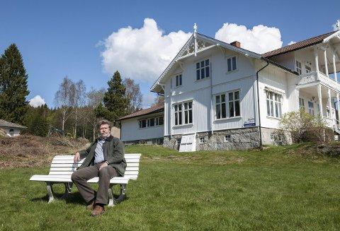NY EIER: Bjørn Skjærvik eier Svinesund Invest AS, som har kjøpt Oscar Torp Heimen på Rørbekk. – Hovedhuset vil snart bli lagt ut til salg igjen. På de to andre eiendommene vil bygningene bli pusset opp før de etter hvert legges ut for salg, sier han.