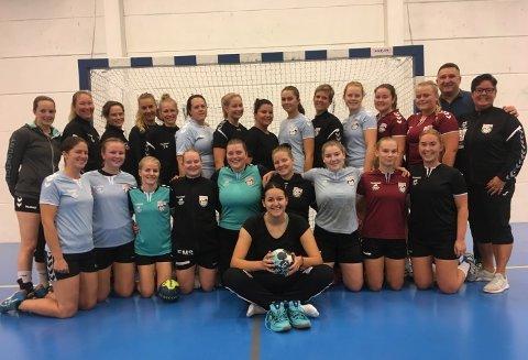 NY SEIER: Haldens håndballdamer vant 33-22 over Gressvik, og nærmer seg toppen i 4. divisjon.