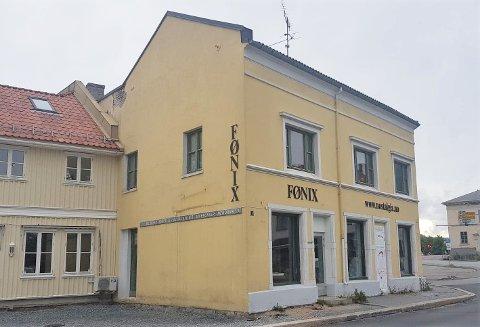 FLYTTER TIL SARPSBORG: Fønix og nettbutikken Nostalgia.no flytter lokaler til Sarpsborg, etter hva driver Anne Grete Aronsen har vært «syv år med blodslit».