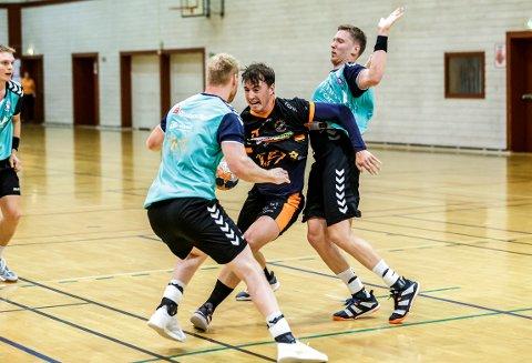 GOD DEBUT: Halden Topphåndball tapte 28-34 for Mors/Thy, i en kamp der nykommer Hannes Nyström fikk vist seg skikkelig fram for ulvene.