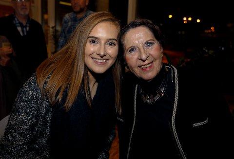 FORNØYDE:  Marianne Stensland og farmor Sylvi Stensland.