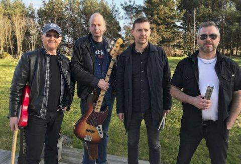 TERRAPLANE:  Fra venstre Roald Holmstrøm, Geir Jørgensen, Vidar Støyva og Arnt Ove Kvernenes. Trond Valle (piano) var ikke til stede når bilde ble tatt. Foto: privat