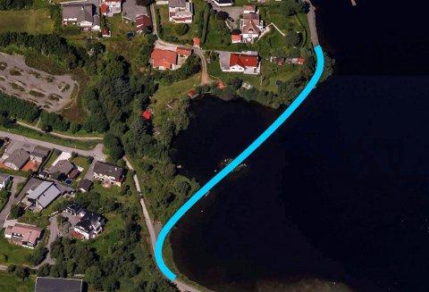 Reguleringsplan for Skeisvatnet  ble vedtatt i april 2016. Illustrasjonen viser hvor den veien skal gå over vannet og inn på eiendommen til grunneier Undahl. Veien skal primært lages ved utfylling i vannet. Og en lav bro i midten.