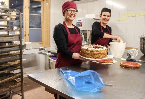 Mosjøen kantinedrift starter kafe på Olderskog. F.v Grethe Sørli og Randi Osmo Krane