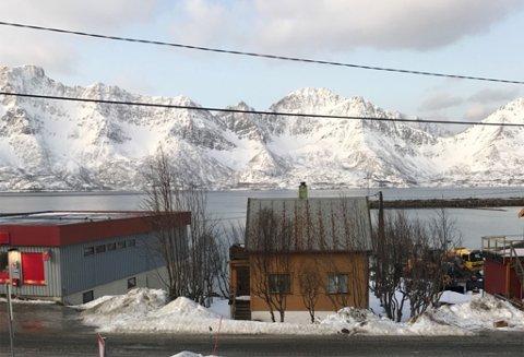 FINVÆR: Slik så det ut i Øksfjord fredag. Foto: Kai Martin Hansen