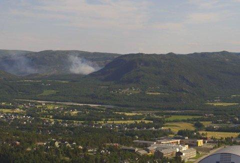 Brannen utenfor Alta sprer seg sakte mot nordvest.