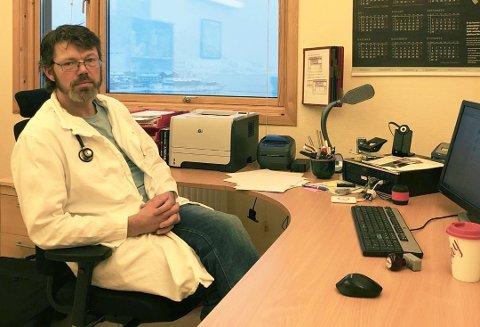 KRITISK: Leder for legeforeningen i Finnmark, Paul Olav Røsbø, er kritisk til hvordan medisinfordelingen blir i Finnmark etter at Apotek 1 Gruppen AS vant anbudet om medisinlevering til Troms og Finnmark. Tre kommuner er ikke en del av avtalen.