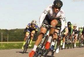 Ute: Elitesyklist Marius Wold fra Bjørkelangen. Foto: privat