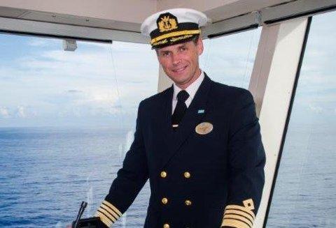 STØ KURS: Rune Edvin Myhre har erfaring fra skipsfart langs norskekysten.  Her er han avbildet på cruiseskipet Norwegian Getaway i 2015.