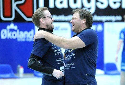 TRENERDUO: Heine Jensen (t.v.) og Rune Haugseng etter at cupfinaleplassen var sikret. Blir det noe å juble for i cupfinalen?