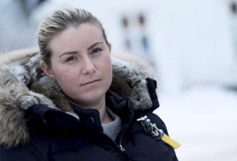 Trist: Linn Sveen-Larsson (29) er bekymret for hvordan fremtiden blir dersom hun er en av dem som står uten jobb når Hof fengsel blir nedlagt.foto: Jarl Rehn-Erichsen