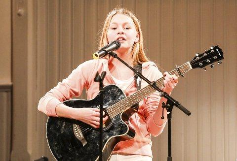 Sang: Silje Uberg sang «Titanium» fra SIA på UKM i Kragerø.