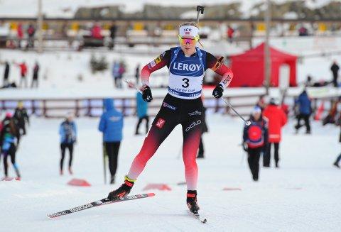Ragnhild Femsteinevik har bestemt seg for å fortsetta skiskyttarsatsinga sjølv om landslagsplassen mest sannsynleg ryk etter sesongen.