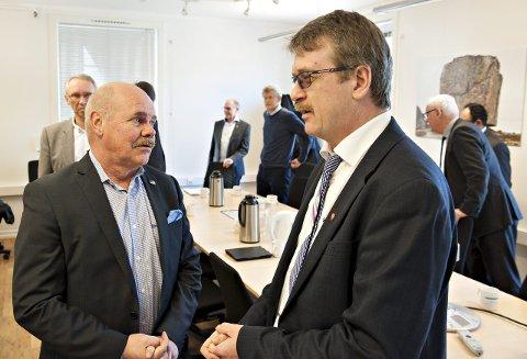 OMSTILLING: Daværende statssekretær Jardar Jensen i Kommunaldepartementet og Rollag-ordfører Dag Lislien møttes i Kongsberg i januar 2015, blant annet for å diskutere omstillingsmidler.