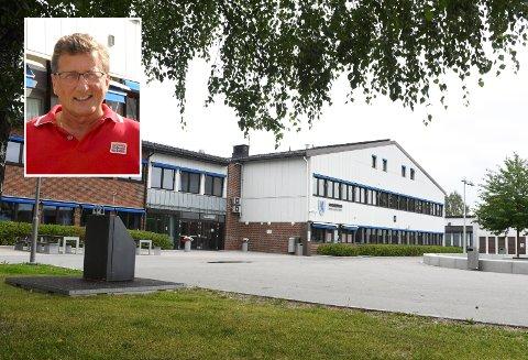 DIGITALT LØFT: Ove Brude Kolstad ved St. Hallvard vgs, mener skolestengingen har ført noe positivt med seg også.