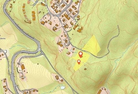 DYREST: Tomtene (markert gult) øverst på Reistad var den dyreste eiendommen som ble solgt i Lier forrige måned.