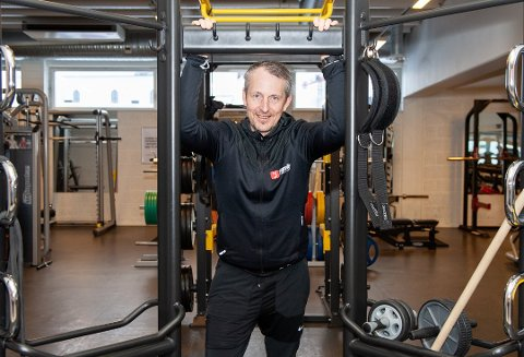 SKIFTE: Paul Klausen overtok som daglig leder ved Family Sports Club i Svolvær i mars. Nå får han nye eiere å forholde seg til når Feel24 kjøper senteret.