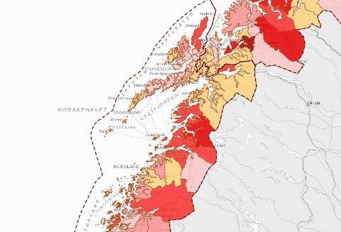 Slik ser det ut i Nordland onsdag 15. september. Jo rødere en kommune er, desto flere smittede per 100.000 innbyggere er det. Det betyr at små kommunen kan få ilter rødfarge, selv med noen få smittede.
