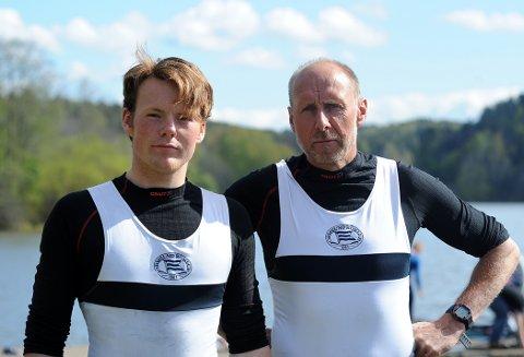 TRYGGHET: Med faren Lars er god på å få Nicolay til å slappe av foran konkurranser.