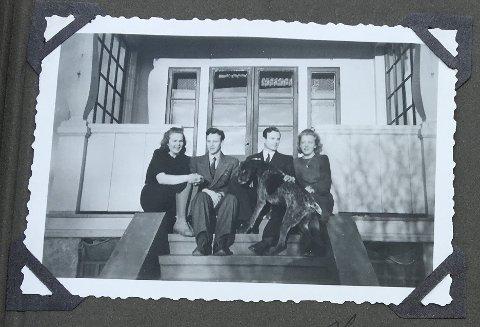 På trappen i solen, dager før han ble arrestert som Milorgmann. Min far Frithjof Andersen f. 1916 sitter som nr 3 fra venstre med hunden, nr 1 fra v er hans lillesøster Signora, lillebror Egil og helt til høyre en venninne.