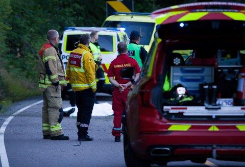En motorsyklist omkom etter en ulykke på Gamle Mossevei onsdag kveld.