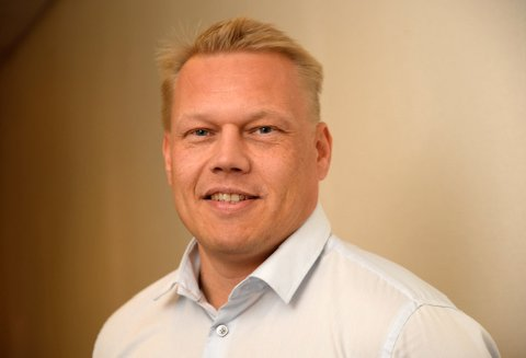 Raymond Kristiansen, driftsdirektør i Coop Nord, er godt fornøyd med at Coop Obs på Jekta fra høsten av også skal tilby Post i butikk.