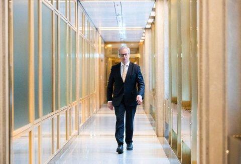 INGEN ENDRING: Sentralbanksjef Øystein Olsen og rentekomiteen i Norges Bank holder som ventet styringsrenta uendret på null prosent.