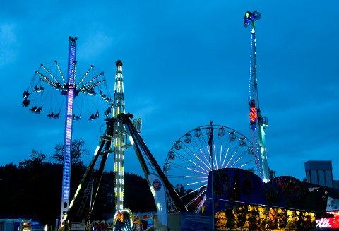 STEMNING: Gjøvik-Marken betyr karuseller, fart og spenning og mye annet moro.