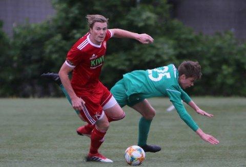 Petter Senstad og FK Toten hevet duellspillet, viste moral  og kom tilbake etter å ha ligget under 0-2 mot Furnes.