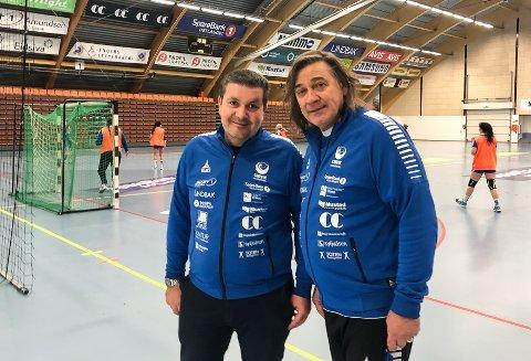 Sportslig leder Mirsad Pestalic (t.v.) og Valter Perisa måtte innse at den viktige kampen mot Vålerenga ble avlyst - og i stedet ble det ei treningsøkt for Gjøvik HKs 2. divisjonsjenter.