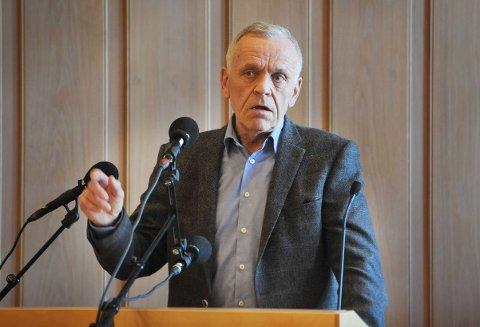 GÅR IKKE ALENE: – Å tro at man kommer noen vei alene, er rett og slett urealistisk, sier Arild Ødegaard (Sp)