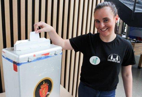 HEMMELIG VALG: Hvilket parti Madelene Krogh Lund på Drømtorp vgs stemte på under årets skolevalg, er hemmelig. Men Ap fikk flest stemmer.