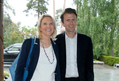 FRP-PAR:  Daværende innvandrings- og integreringsminister Sylvi Listhaug avbildet sammen med ektemann Espen Espeset idet de ankommer regjeringens sommermiddag på Villa Grande på Bygdøy i 2016.