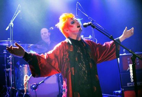 CHRISTOPHER LYNGEDAL og bandet «Lick 'Em By Smiling» gjentar suksessen fra i fjor, på Sanden scene lørdag 11. januar.