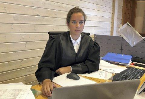 SKAL IVARETA DEN SIKTEDE: Politiet skal undersøke alle sider av saken der en kvinne i Elverum ble knivstukket, og politiadvokat Maria Husebye Fossen sier hun vil være objektiv i etterforskningen.
