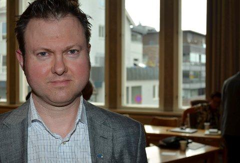 OVERRASKET: Yngve Sætre ble overrasket over at også hans partikollega i Elverum, Joakim Ekseth melder seg på i kampen om å bli ny stortingsrepresentant for Hedmark Høyre. - Jeg visste ingenting, sier Sætre som i vinter sa fra at han anså seg som kandidat.