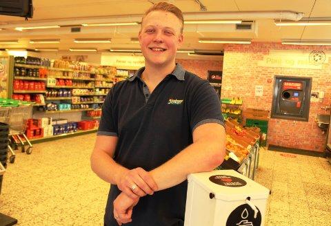 Tobias Busk butikksjef Joker Langesund. Foto Vivi Sævik