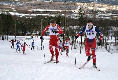 Sprint: Sigurd Aarthun (nr. 180) fra Åga IL gikk inn til seier på sprinten, mens Even-Johan Kaspersen (nr. 183) fra B&Y IL ble nummer tre. Foto: Nancy Stien Schreiner