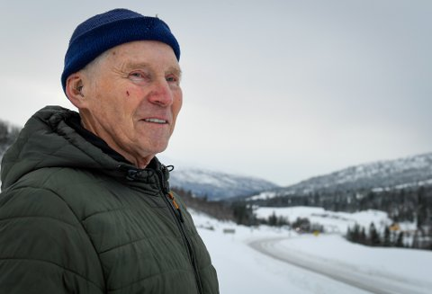 Lars Andersson (75) satt i den første bilen som kjørte over brua som onsdag ble revet.
