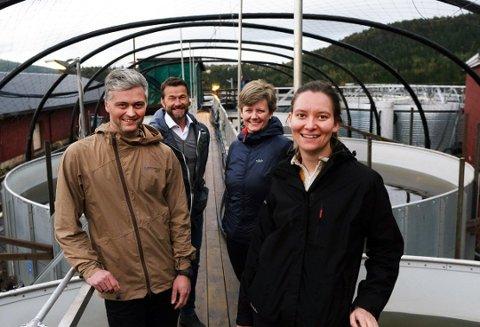 Foran Ørjan Vonstad, BaRe avd Mo i Rana og Ada Louise Jervell Heyerdahl, SINTEF. Bak Jan Gabor, MIP og Pia Møller, Kvarøy Smolt Foto: Pressefoto
