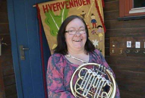 NESTEN ALLTID KORPS: – Jeg ordner det, sa Cecilie Iren Larsen Helltun og startet 16. mai-korpsordningen i Hvervenmoen barnehage.