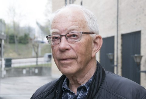 BIL-SENIOR: Harald Sigvald Syversen har vært beskjeftiget med bil hele livet.