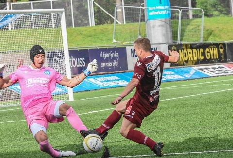 STOR SJANSE: Tobias Svendsen var nær ved å score da SF spilte mot Notodden.