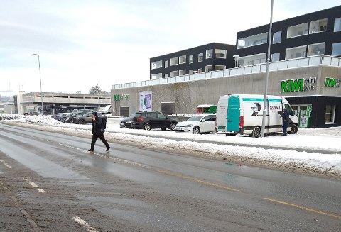 Her er det hyppig forekomst av folk som krysser veien.