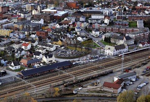 MULIGHETER: Sarpsborg næringsforening ønsker Intercity gjennom Sarpsborg sentrum. – Fra et næringspolitisk ståsted kan valget av jernbanetrasé bli helt avgjørende for Sarpsborgs utviklingsmuligheter i årene framover, skriver Morgan Pettersen. Foto: Jarl M. Andersen
