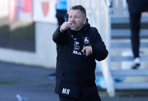 GOD: Morten Røssland fra Åsane kan være en trener som Sarpsborg 08 har på sin liste over aktuelle kandidater til å erstatte Mikael Stahre.