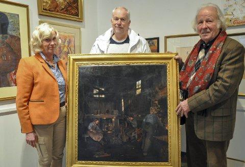Sjelden mulighet: Jan Unneberg fra Spydeberg selger dette maleriet av Eyolf Soot på kunstmarkedet lørdag. Reni Braarud og Jørn Fjeld i kunstgruppa har til nå mottatt kunst fra 120 deltakere som vil selge, kjøpe eller bytte kunst.